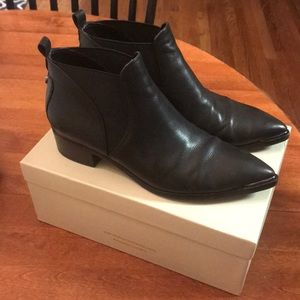 Marc Fisher black leather Yale booties